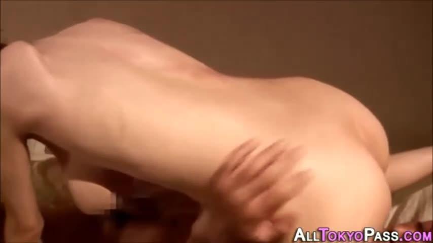 爆乳の人妻の逆ナン無料jukujyo動画。爆乳の人妻が逆ナンパして、シ...